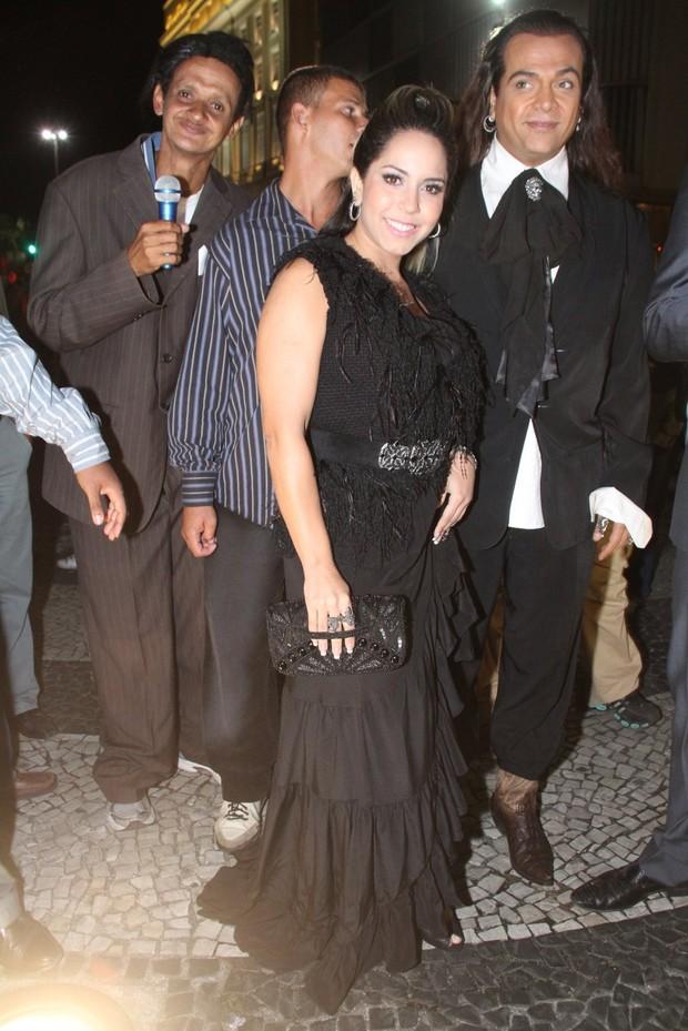 Mulher Melão no casamento de Gracyanne e Belo, no Rio (Foto: Raphael Mesquita e Thyago Andrade/PhotoRio News)