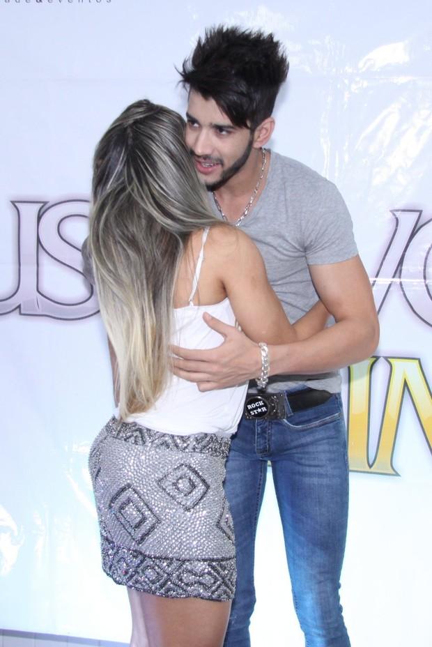 Mulher Melão e Gusttavo Lima (Foto: Alex Palarea/Ag.News)