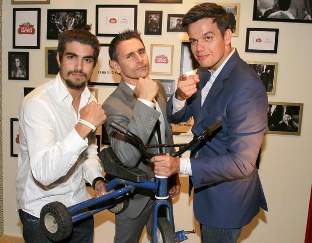 Caio Castro, Murilo Rosa e Otaviano Costa em Cannes (Foto: Felipe Panfili / AgNews)