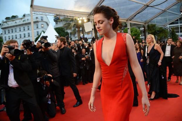 Kristen Stewart em Cannes (Foto: AFP)