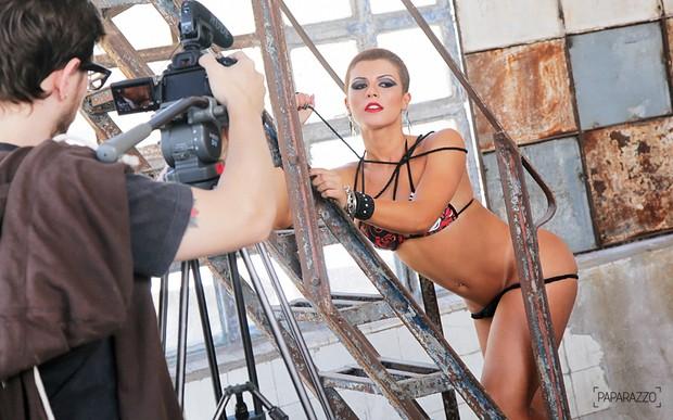 Babi Rossi posa para o Paparazzo (Foto: Alexandre Campbell / Paparazzo)