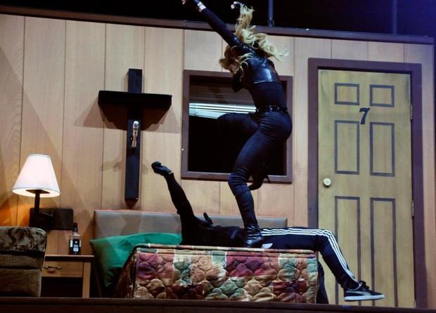 Madonna ensaia para nova turnê (Foto: Reprodução/Facebook)