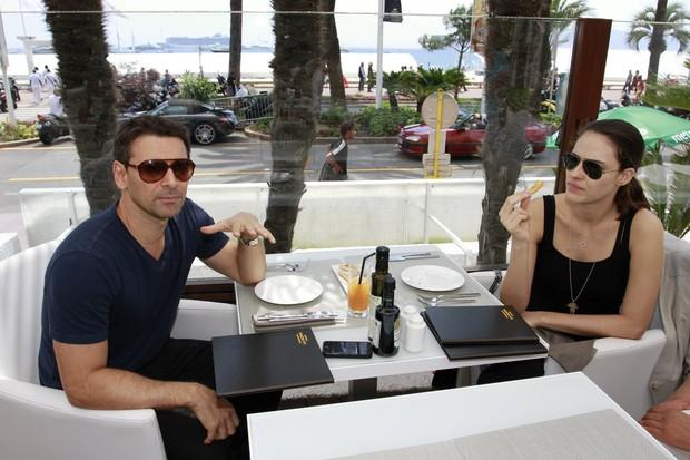 Murilo Rosa e Fernanda Tavares em Cannes (Foto: Felipe Panfili/AgNews)