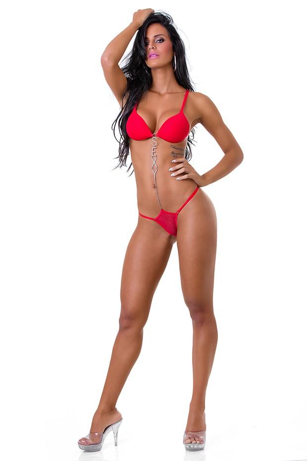 Lorena Bueri, a Gata do Paulistão, posa de lingerie (Foto: Ricardo Canhoto / Divulgação)