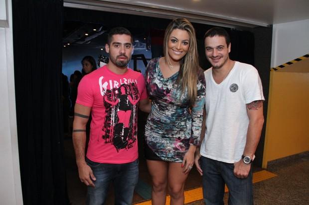 Ex-BBBs Yuri, Monique e Rafa em show no Rio (Foto: Thyago Andrade/ Photo Rio News)