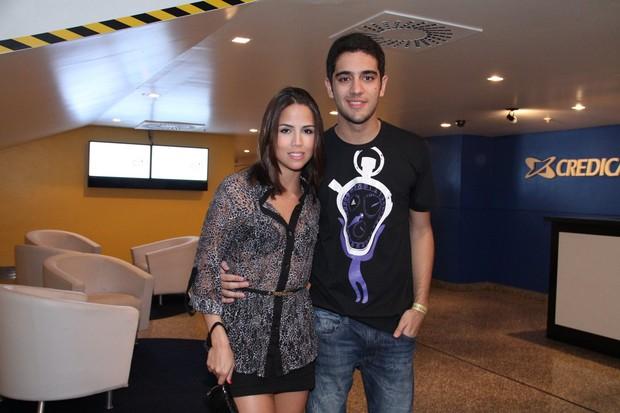 Miguel Rõmulo e Pérola Faria em show no Rio (Foto: Thyago Andrade/ Photo Rio News)