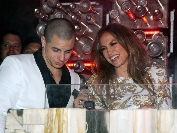 Jennifer Lopez e Casper Smart (Foto: Agência/Getty Images)