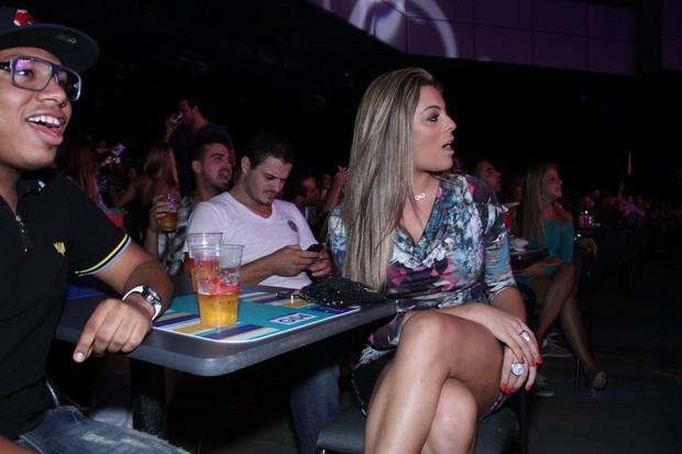 Ex-BBB Monique em show no Rio (Foto: Thyago Andrade/ Photo Rio News)
