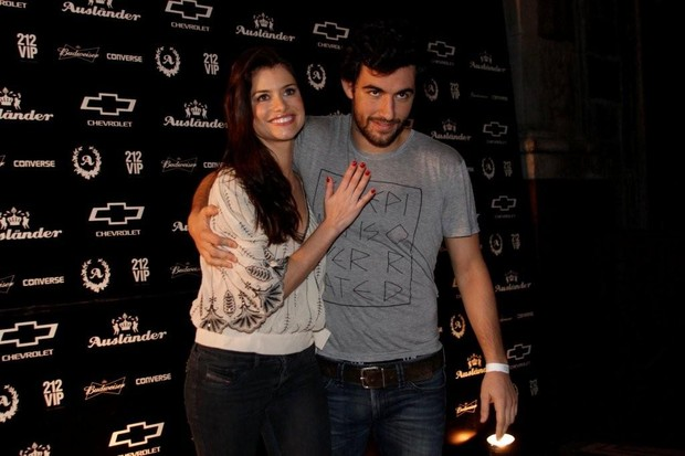 Alinne Moraes e Felipe Simão (Foto: Philippe Lima/AgNews)