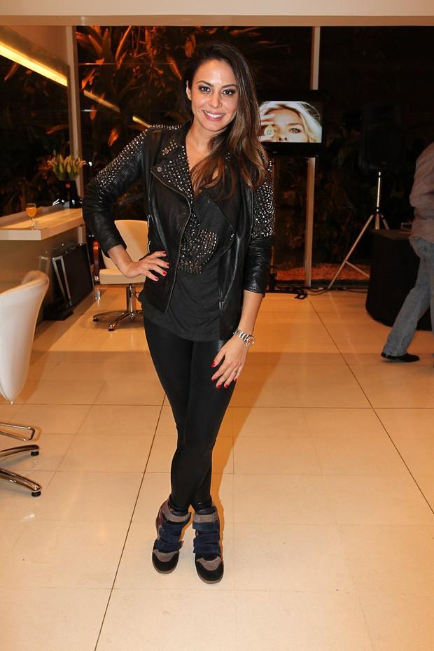 Alinne Rosa em evento em São Paulo (Foto: Manuela Scarpa / Photo Rio News)