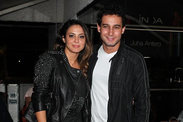 Rafael Almeida e Alinne Rosa (Foto: Manuela Scarpa/Photo Rio News)