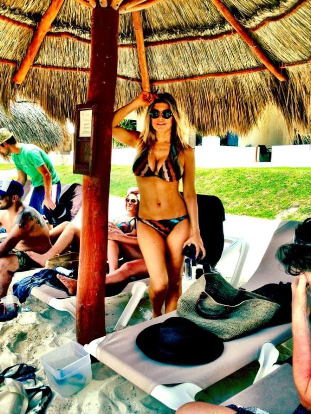 Fergie em Cancún (Foto: Twitter/Reprodução)