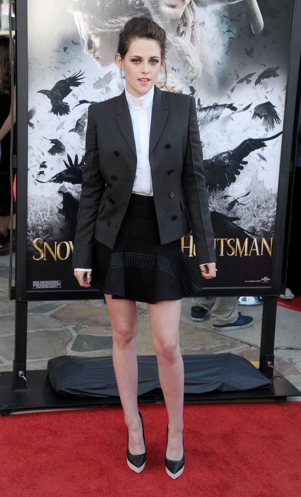 Kristen Stewart em première do filme 'Branca de Neve e o Caçador' em Los Angeles, nos Estados Unidos (Foto: Getty Images/ Agência)