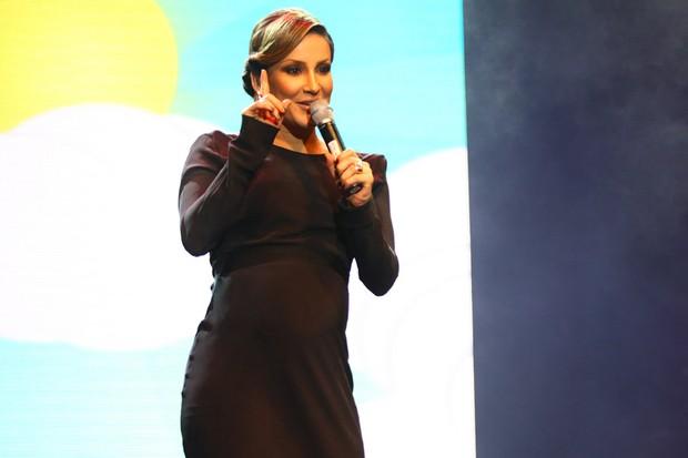 Claudia Leitte em show beneficente em São Paulo (Foto: Iwi Onodera/ EGO)