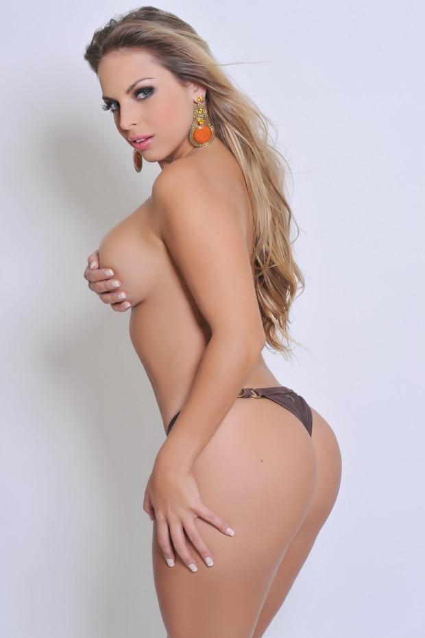 Jéssica Lopes faz topless para revista (Foto: Divulgação)