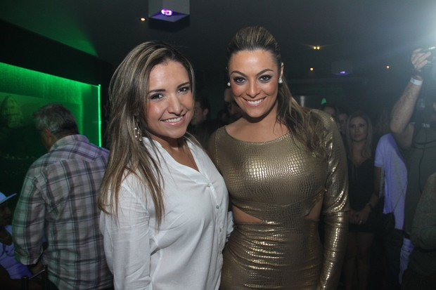 Ex-BBB Natalia no lançamento da revista de Monique no Rio (Foto: Thyago Andrade/ Photo Rio News)