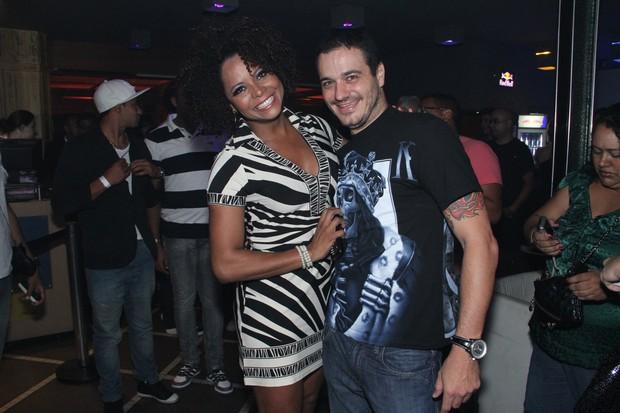 Bombom e ex-BBB Rafa no lançamento da revista da Monique no Rio (Foto: Thyago Andrade/ Photo Rio News)