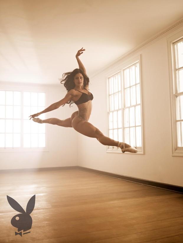 Aline Riscado posa para a 'Playboy' (Foto: Playboy / Divulgação)