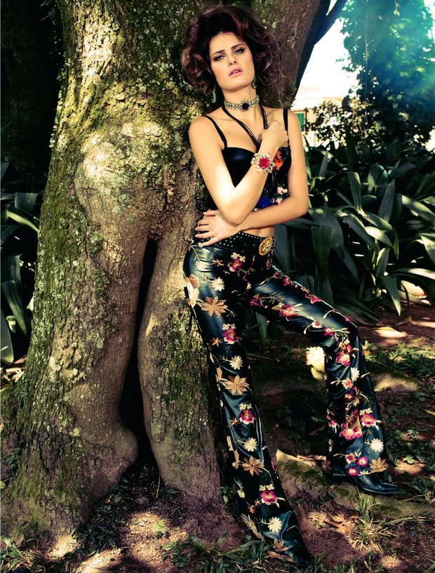 Isabeli Fontana na Vogue (Foto: JR Duran / Vogue)