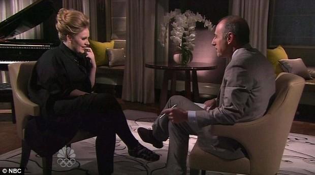 """Adele dá entrevista para o programa """"The Today Show's Matt Lauer"""", da NBC (Foto: NBC / Divulgação)"""