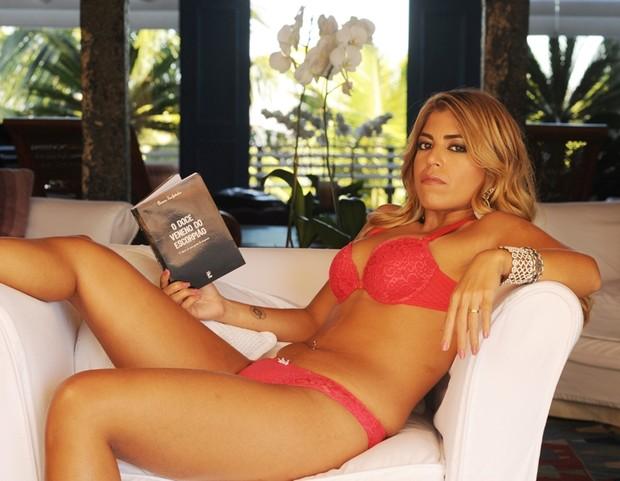 Bruna Surfistinha posa para campanha de lingerie (Foto: Divulgação / Duloren)