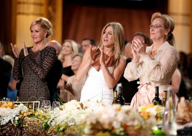 Melanie Griffith, Jennifer Aniston e Meryl Streep na 40ª edição do prêmio 'AFI Life Achievement Award' em Los Angeles, nos Estados Unidos (Foto: Getty Images/ Agência)