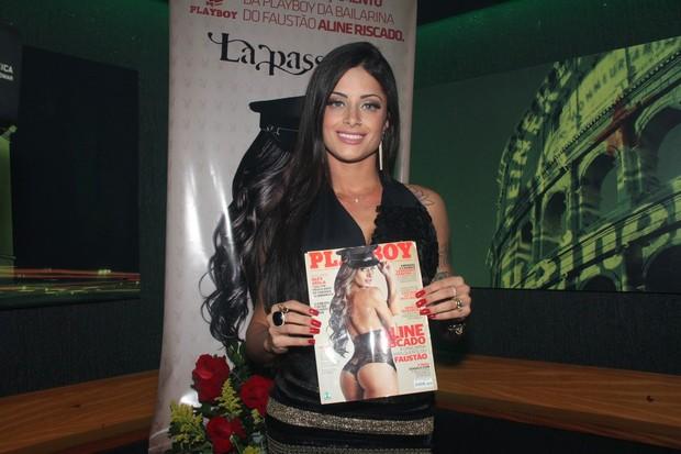 Aline Riscado, bailarina do 'Domingão do Faustão', lança sua 'Playboy' em uma boate no Rio (Foto: Roberto Filho / Ag. News)