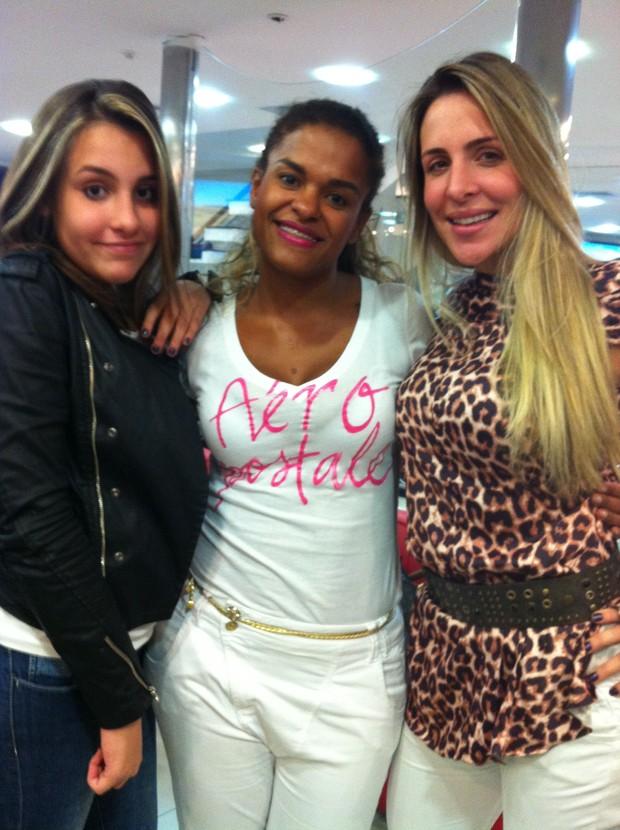 Luiza, Viviane Siqueira e Joana Machado (Foto: Divulgação)