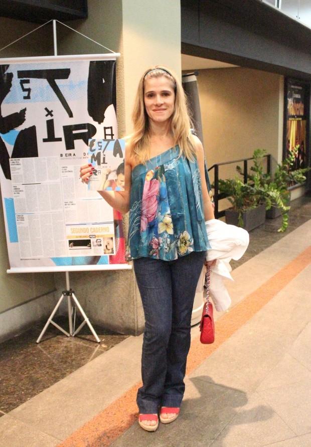 Ingrid Guimarães prestigia peça 'Estamira' no Rio (Foto: Fausto Candelária/AgNews)