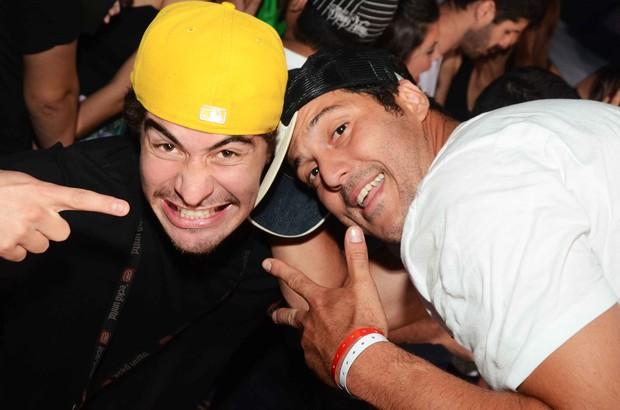 Thiago Martins e Julio Cesar (Foto: Ari Kaye / Divulgação)