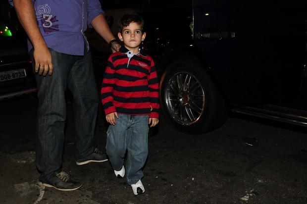 Rodrigo, filho do apresentador Faustão chega à festa (Foto: Manuela Scarpa/Photorio News)