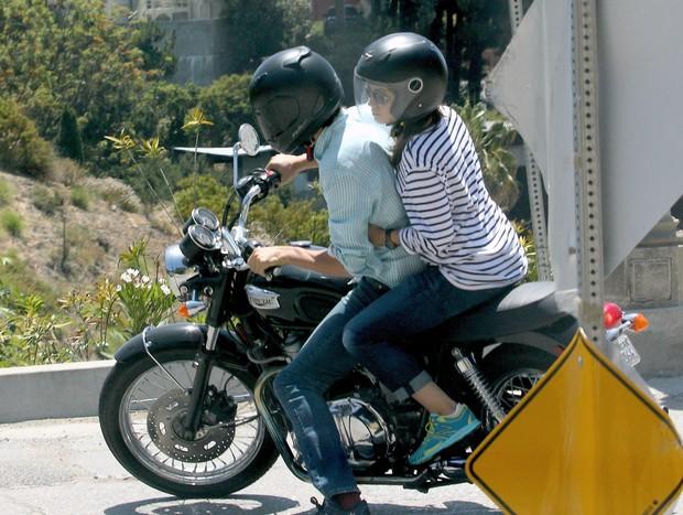 Ashton Kutcher e Mila Kunis (Foto: Agência X17)