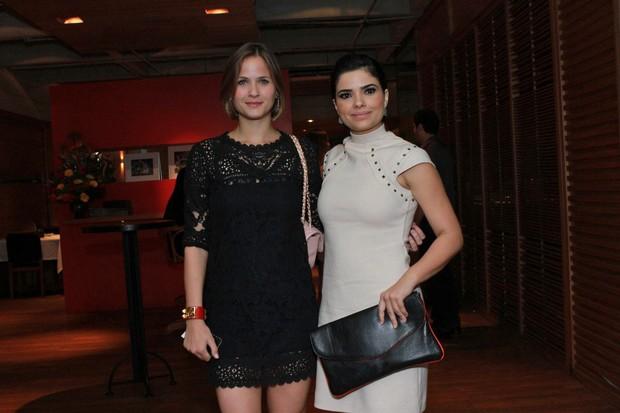 Luiza Valdetaro e Vanessa Giácomo na estreia da novela 'Gabriela' (Foto: Raphael Mesquita / Foto Rio News)