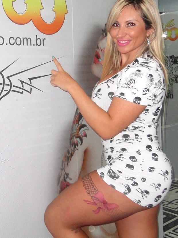 Sabrina Boing Boing faz nova tatuagem (Foto: Divulgação)