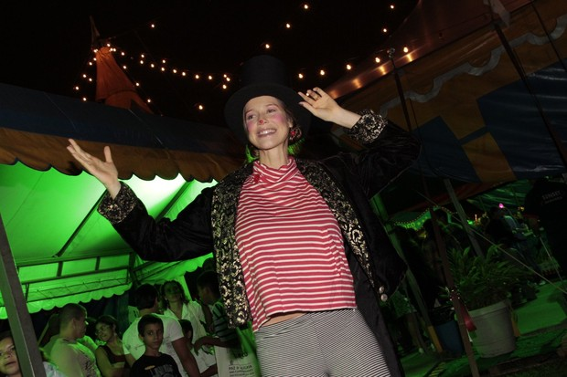 Luana Piovani apresenta o Unicirco (Foto: Isac luz / EGO)