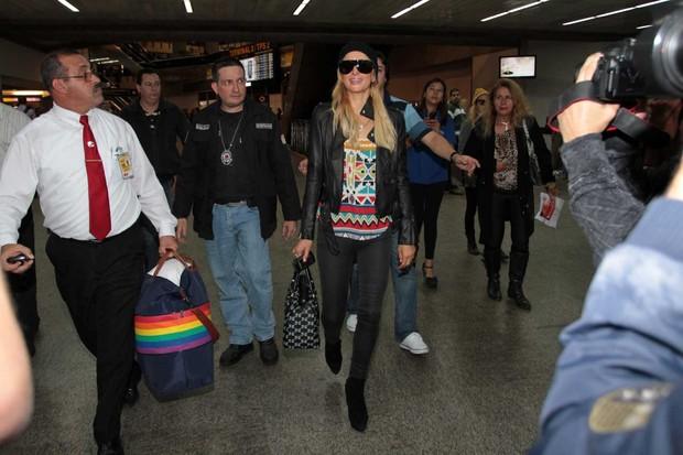 Paris Hilton chega ao Brasil (Foto: Orlando Oliveira/AgNews)