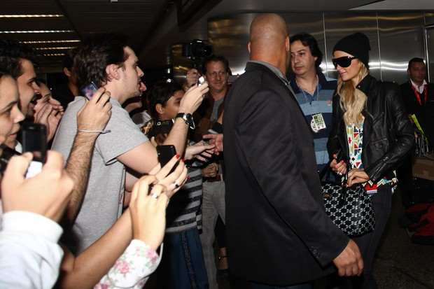 Paris Hilton chega ao Brasil (Foto: Manuela Scarpa/PhotoRio News)