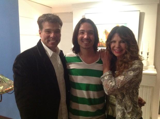 Maurício Mattar e Elba Ramalho comemoram o aniversário do filho Luan (Foto: Daniel Delmiro / AgNews)