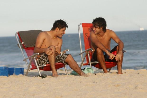 Atores de Av. Brasil Daniel Rocha e Ronny Kriswa (Foto: Marcos Ferreira / PhotoRioNews)