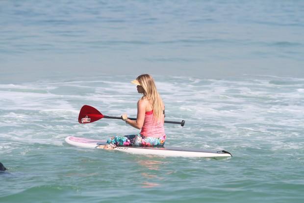 Susana Werner na praia no Rio (Foto: Clayton Militão/Fotorio News)