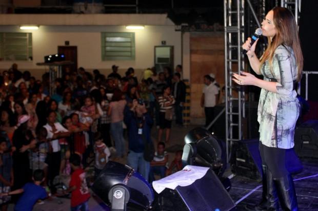 Perlla faz show em igreja do Rio de Janeiro (Foto: Demetrius Lima/Divulgação)