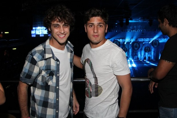 Ronny Kriwat e daniel Rocha em show de Alexandre Pires no Rio (Foto: Anderson Borde/ Ag. News)