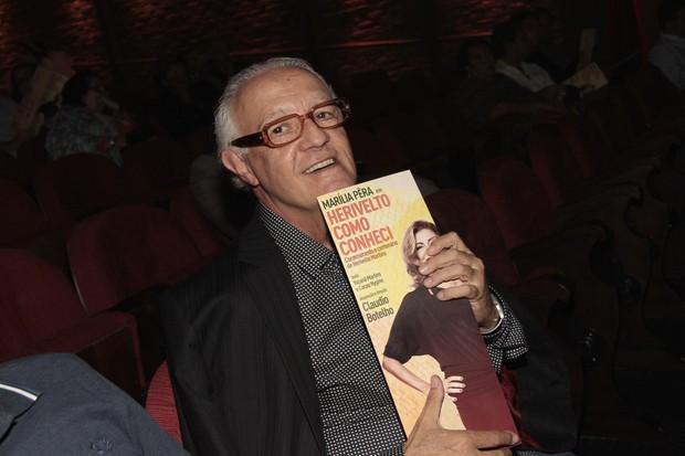 """Ney Latorraca na estreia da peça """"Herivelto como conheci"""" (Foto: Isac luz / EGO)"""
