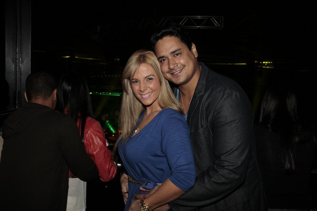 Carla Perez e Xanddy em show de Alexandre pires no Rio (Foto: Isac Luz/ EGO)