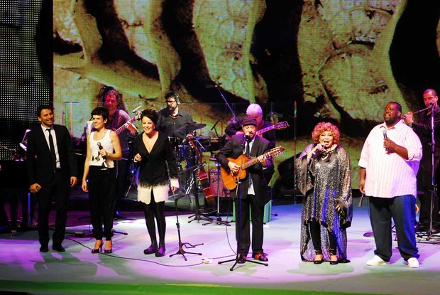 Murilo Rosa, Mariana Aydar, Leila Pinheiro, Jo&#227;o Bosco, Alcione e P&#233;ricles em show em S&#227;o Paulo (Foto: Celso Akin/ Foto Rio News)