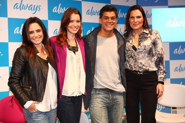 Fernanda Vasconcellos, Nathalia Dill, Eduardo Moscovis e Laura Muller  (Foto: Iwi Onodera / EGO)