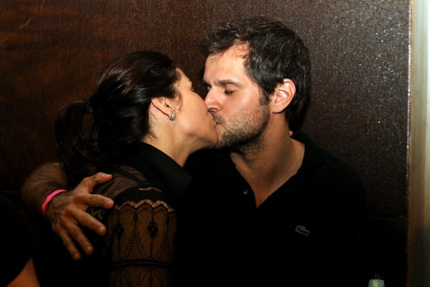 Giovanna Antonelli e marido em boate (Foto: Marcello Sá Barretto / Foto Rio News)
