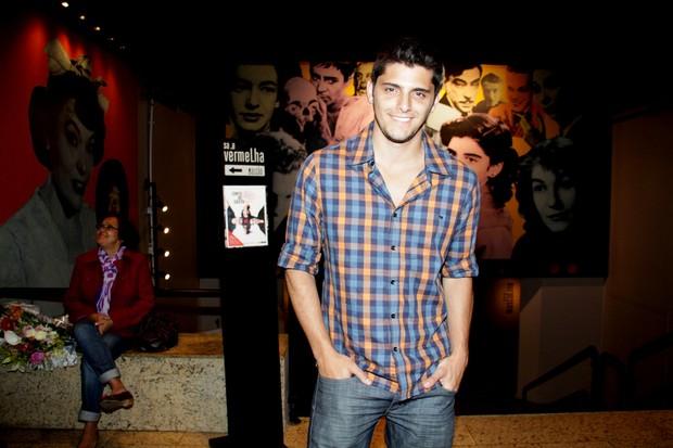 Bruno Gissoni na estreia da peça do irmão, 'Conto de Verão' (Foto: Graça Paes / Foto Rio News)