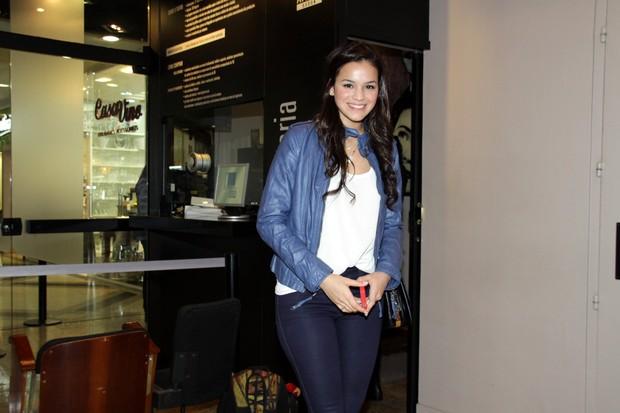 Bruna Marquezine na estreia da peça 'Conto de Verão' (Foto: Graça Paes / Foto Rio News)