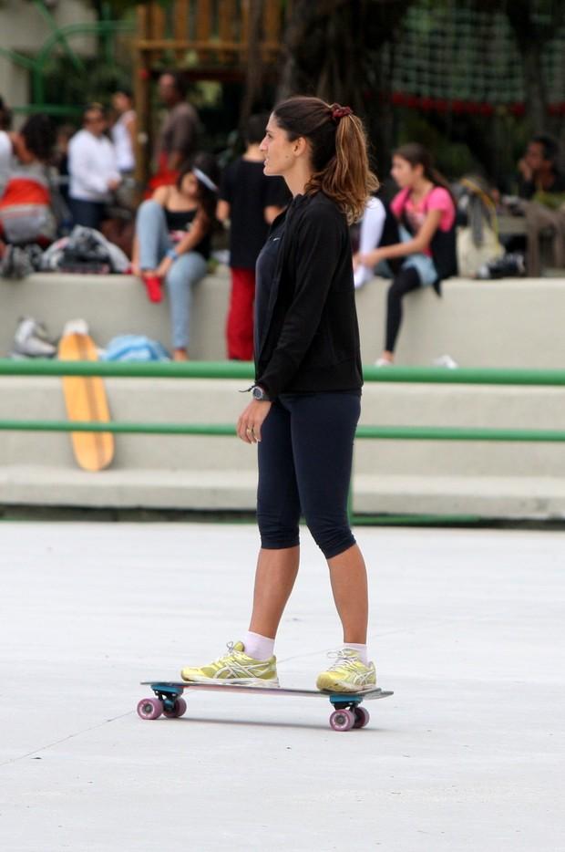Cynthia Howlett anda de skate no Rio (Foto: Gil Rodrigues/Photo Rio News)